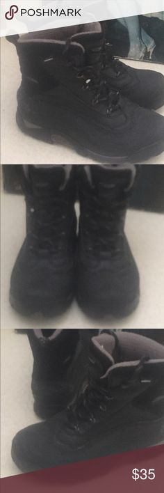 Women's Columbia winter boots Women's Columbia boots size 7.5 gently worn....black with grey and light purple accent colours Columbia Shoes Winter & Rain Boots