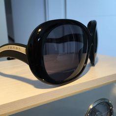 Prada Bayan Güneş Gözlüğü İkinci El - VIPDOLAP