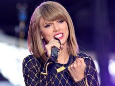 Taylor Swift to receive Dick Clark Award