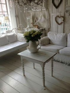 Spring European Interior Trends 2017.  The Best of shabby chic in 2017.