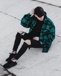 """1,992 lượt thích, 83 bình luận - DIMA BYCHICK (@dima_bychick) trên Instagram: """"Minimal movement outfit"""""""