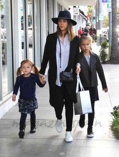 Jessica Alba y sus hijas