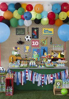 Festa Futebol: 60 Ideias de Decoração com Fotos do Tema Soccer Baby, Table Arrangements, Baby Party, Boy Birthday, World Cup, Kids Rugs, Baby Shower, Holiday Decor, Cake