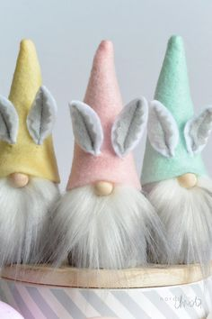 hoppy easter Bunny Gnomes are back! Pastel colored MINI/MIDI Nordic Gnome with bunny ears are just perfect for the Easter season. These little Scandinavian tomtes are the smile makers tha Spring Crafts, Holiday Crafts, Easter Crafts For Kids, Easter Decor, Diy Easter Toys, Easter Centerpiece, Bunny Crafts, Easter Table, Easter Treats