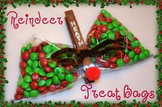 Reindeer treat bags. I love the name on the clothespin!