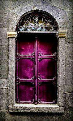 Purple door nice!