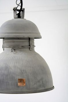 overhead lamp fixture Industrial Country Chic Home Decor Industrial Living, Industrial Interiors, Modern Industrial, Industrial Furniture, Design Industrial, Industrial Lamps, Industrial Industry, Vintage Lighting, Vintage Lamps