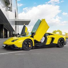 WEBSTA @ lambo.buzz - WINGS UP--> Follow @lambo.buzz @ferraribuzz for More Epic Supercars <---------**Click the link in our Bio for a Special Surprise**-------Credits: @slavchick_97# #SupercarsBuzz #LamboBuzz #lamborghiniaventador #yellowaventador