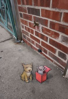 Photographic examples of temporary street art created with chalk and charcoal by David Zinn in Street Art News, 3d Street Art, Street Art Graffiti, Street Artists, Graffiti Artists, David Zinn, History Of Drawing, Blind Drawing, New York Graffiti