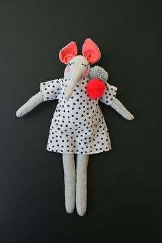 Atelier Sans Souci dolls like the pom poms Plush Dolls, Doll Toys, Sewing Toys, Sewing Crafts, Toddler Toys, Kids Toys, 4 Kids, Cute Toys, Doll Maker