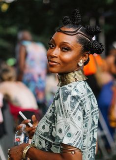 See the people and performers of Afropunk 2019 Bantu Knot Hairstyles, Natural Afro Hairstyles, My Hairstyle, Black Girls Hairstyles, African Hairstyles, Afro Punk Fashion, Curly Hair Styles, Natural Hair Styles, Afro Style