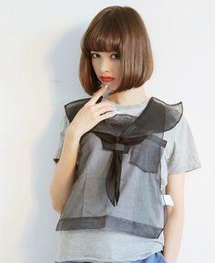 keisuke kandaセ-ラー服の紙エプロンTシャツ