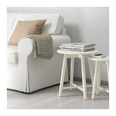 IKEA - KRAGSTA, Bijzettafel, set van 2, wit, , Je kan heel eenvoudig een eenheid creëren door de KRAGSTA bijzettafels te completeren met de grotere salontafel uit dezelfde serie.
