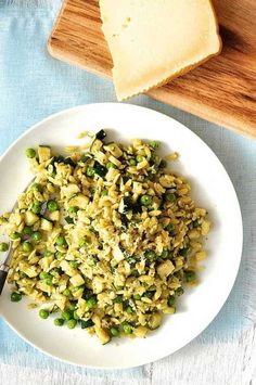 Pea, Zucchini and Pesto OrzoThere's lots of hidden greens in this Pea, Zucchini and Pesto Orzo. It's a complete meal and only takes 15 minutes to make. A leisurely 15 minutes – no rushing, no pulling out every appliance in your kitchen. This is a really simple but really tasty dinner that only requires a handful of ingredients.