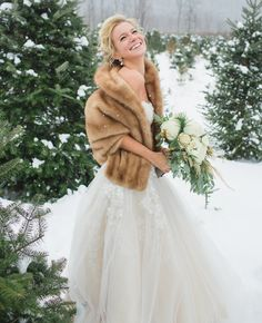 Winter bride's style // Lauren Fair photography // http://blog.theknot.com/2013/12/16/a-cozy-and-glitzy-winter-wedding/