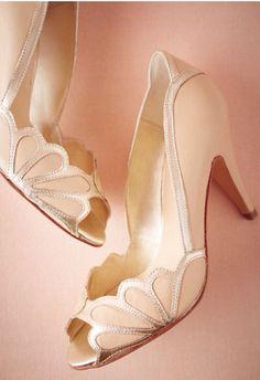 Perfect vintage look shoes, heels for a wedding