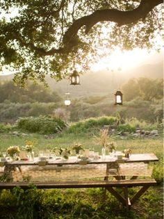Dining al fresco - inspiration, images of outdoor dining Outdoor Dining, Outdoor Spaces, Outdoor Seating, Outdoor Lantern, Outdoor Decor, Rustic Outdoor, Rustic Table, Outdoor Landscaping, Landscaping Ideas