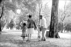 walking, together, sesión, fotografia, fotografa, amor, bosque, mamá, bebe, beso, familia, abrazos, manos, sueños, hija, amor, session, photography, photography, love, forest, mother, baby, kiss, family, hugs, hands, dreams, daughter, love,