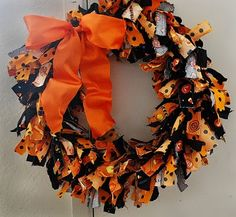 Buckets of Halloween Ideas: More Frugal Decor - Our Rag Wreath