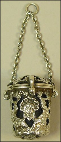 Sewing tools : A FINE EDWARDIAN SILVER CHATELAINE THIMBLE HOLDER LONDON 1902