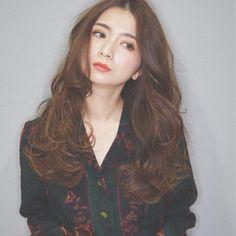 HAIR(ヘアー)はスタイリスト・モデルが発信するヘアスタイルを中心に、トレンド情報が集まるサイトです。20万枚以上のヘアスナップから髪型・ヘアアレンジをチェックしたり、ファッション・メイク・ネイル・恋愛の最新まとめが見つかります。 Long Hair Styles, Beauty, Long Hairstyle, Long Haircuts, Long Hair Cuts, Beauty Illustration, Long Hairstyles, Long Hair Dos
