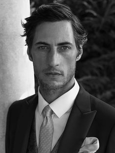 Suit Up, Gq, Fashion Suits, Mens Fashion, Shanghai, Fictional Characters, Russia, Elegant, Men Fashion