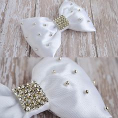 One of a kind bow! Great for flower girl. #wedding #flowergirl #supporthandmade…