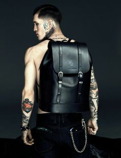 Jimmy Q Leather Backpack Jimmy Q, Look Fashion, Fashion Bags, Mens Fashion, Men's Backpack, Leather Backpack, Mode Style, Swagg, Well Dressed