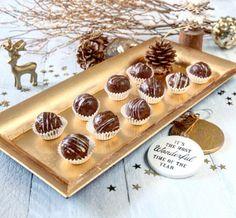 Zdravé cukroví: nepečenené kokosové kuličky Portobello, Pina Colada, Naan, Tahini, Gnocchi, Mini Cupcakes, Hummus, Red Velvet, Cheesecake