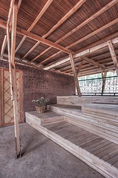 Elevated area for outdoor meetings timber structure
