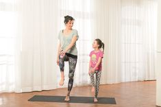 Children's yoga exercises for more concentration – yoga stars Children's yoga exercises for more concentration – yoga stars Yoga Fitness, Training Fitness, Fitness Tips, Finger Yoga, Childrens Yoga, Baby Hippo, Star Children, Comparing Yourself To Others, Yoga For Kids