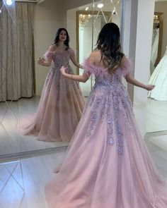 Stunning Prom Dresses, Pretty Prom Dresses, Prom Dresses Long With Sleeves, Gorgeous Wedding Dress, Party Wear Dresses, Gowns With Sleeves, Indian Wedding Gowns, Indian Bridal Outfits, Indian Gowns Dresses