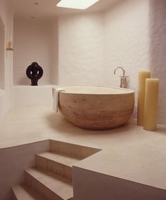This stone bathtub is awesome barefootstyling.com