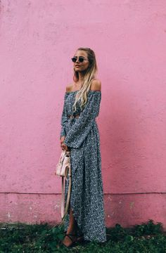 Janni Deler has opted for a boho look in this long co-ord. The off-the-shoulder top is highly flattering, and we love the overall pattern of the…