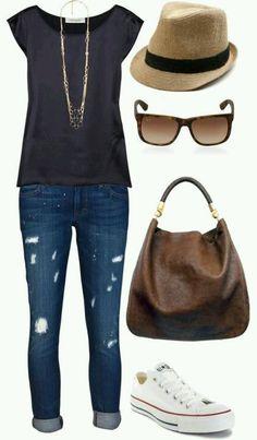 Blusa preta + jeans dobrado + all star