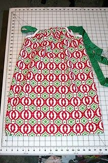 Pillowcase Dress tutorial very easily explained, get a nice pillowcase and layer on vintage looking lace.(How To Make Dress Shorter) Dress Tutorials, Sewing Tutorials, Sewing Hacks, Sewing Crafts, Sewing Projects, Sewing Patterns, Dress Patterns, Diy Crafts, Pillowcase Dress Pattern