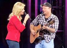 Garth Brooks, Trisha Yearwood Singing,