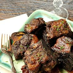 Beef - Braised Short Ribs are the Best Damn Short Ribs you'll ever have! These short ribs are cooked in red wine until falling-off-the-bone tender! Pork Recipes, Cooker Recipes, Short Rib Recipes Crockpot, Braised Short Ribs, Braised Beef Ribs Recipe, Grilled Short Ribs, Def Not, Beef Dishes, Grilling Recipes