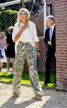 King Alexander, Hip Hop, Queen Maxima, Royal Fashion, Netherlands, Blouse, Portrait, Royals, Pants