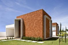 Located in Brasilia, Brazil, Taquari House is a private residence designed by Ney Lima. The home has a stunning exterior architecture and accompanying land Houses Architecture, Architecture Details, Interior Architecture, Interior Design, Modern Properties, Adobe House, Tadelakt, House Entrance, Facade House