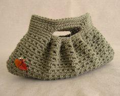 Free Crochet Pattern: Small Classy Clutch