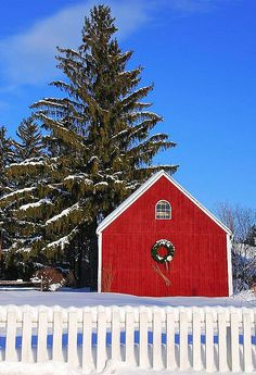 Christmas barn with lots of snow <3