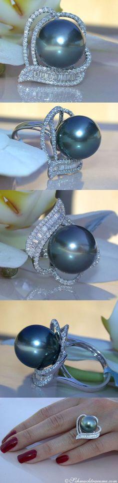 Beautiful black pearl & diamond ring.