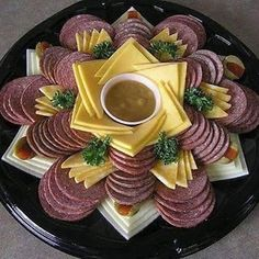 New cheese art appetizers 38 Ideas Party Food Platters, Food Trays, Meat Trays, Party Trays, Appetizers For Party, Appetizer Recipes, Salami Appetizer, Meat Appetizers, Party Snacks
