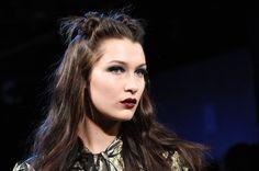 Makeup, Beauty, Hair & Skin | Gigi Hadid Shows That Pat McGrath's Next '80s-Inspired Blue Eye Shadow Is Stunning | POPSUGAR Beauty UK