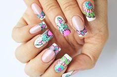 Mandalas sobre semi3 Creative Nail Designs, Toe Nail Designs, Chic Nails, Swag Nails, Fingernails Painted, Mandala Nails, Bride Nails, Flower Nails, Manicure And Pedicure