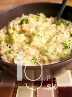 Krémový kuskus s brokolicou Couscous, Quick Easy Meals, Vegetable Recipes, Quinoa, Gnocchi, Macaroni And Cheese, Healthy Eating, Healthy Food, Food And Drink