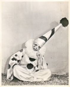 Dare to wear the foolish clown face Mexican Clown Jandaschewsky Clowns Australia Australian acrobats, ca. La Sousa Clown Band at Luna Park, 1909 Clown by Frederick W. Glasier, 1902 Pete and Florence Mardo, sparks circus By Frederick W. Alvin Ailey, Ernest Hemingway, Royal Ballet, Clowns Band, Body Painting, Circus Vintage, Dark Circus, Clown Faces, Clara Bow