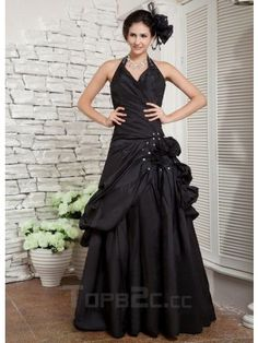 Black Halter Applique Taffeta Woman's Prom Dress Silhouette: A-line Neckline: Halter Hemline/Train: Floor-length Waistline: Inverted Basque Strap Style: Strapless Sleeve Length: Sleeveless Embellishment: Applique Back Details: Zipper Built-in Bra: Yes Fully Lined: Yes Fabric: Taffeta Shown Color: Black Group: Teen Girls Occasion: Ball, Prom Body Shape: Pear, Inverted Triangle, Hourglass, Apple, Rectangle, Plus Size Season: Spring, Summer, Fall Weight: 2.0kg