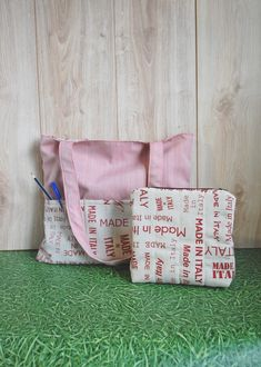 Made in Italy Set, Pocket Tote and Zippered Pouch https://etsy.me/2Jhavej #bagsandpurses #red #madeinitaly #canvastote #pockettote #canvaspouch #zipperedpouch #shoulderbag #smalltoiletrybag #bookbag #marketbag #beachbag #giftforher #etsy #airyfairybags #workoutbag